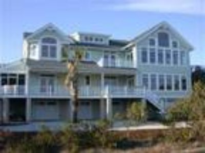Mansion by The Sea Swordfish - House