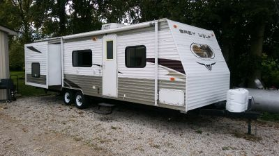 2010 Forest River CHEROKEE GREY WOLF 28A+