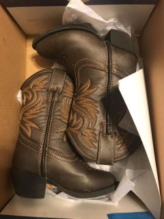 Gently used cowgirl boots