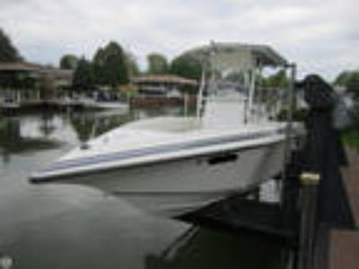 2001 Fountain 25 Center Console