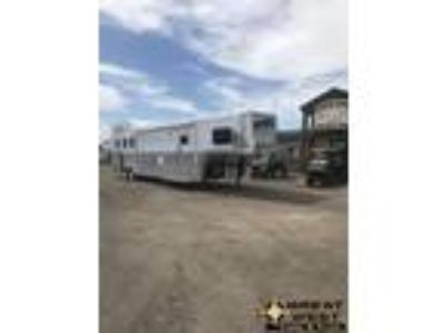 2018 Bloomer 15ft Short Wall 3 horse PC load Trailer with Outla 3 horses
