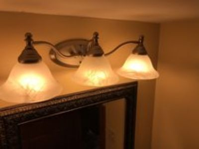 3 light Bathtrom vanity fixture