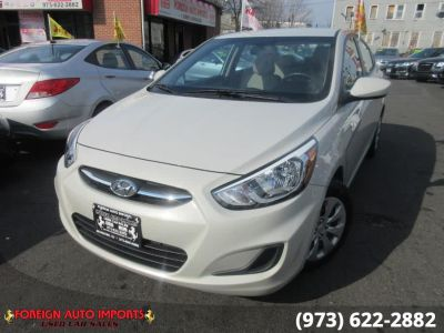 2017 Hyundai Accent SE Sedan Automatic (Century White)