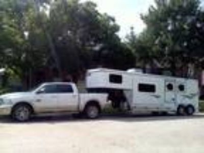 2015 Shadow 2 Horse Slant with Living Quarters