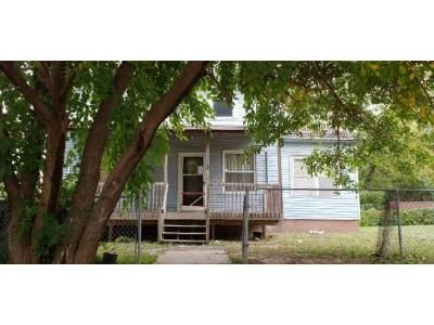 3 Bed 1 Bath Foreclosure Property in Sioux City, IA 51103 - Isabella St