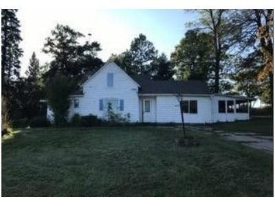 4 Bed 3 Bath Foreclosure Property in Sebeka, MN 56477 - 181st Ave