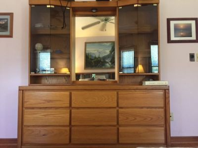 King bedroom set with 2 dressers and nightstands