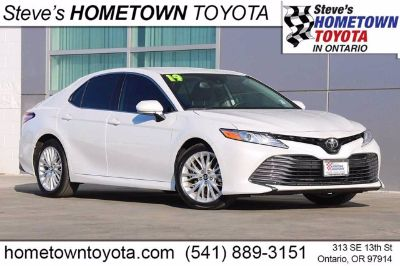 2019 Toyota Camry (Wind Chill Pearl)