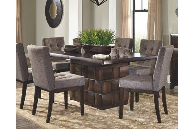 Dining Room Table seats 8 (No delivery)