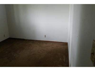 2 Bed 1 Bath Foreclosure Property in Plymouth, IN 46563 - Michigan Rd