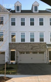 Large new 3 Bedroom townhouse in Cranberry Twp!