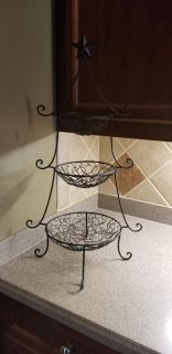 3 tiered metal basket with star accent