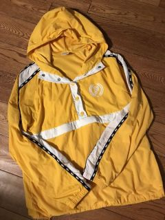 VS Anorak. Only worn once! Size small