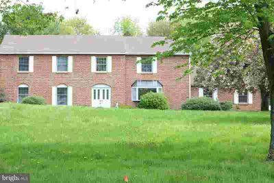 11 Cortland Shire Dr MOORESTOWN Six BR, This is a beautiful