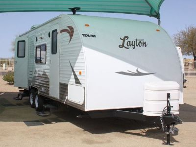 $1275 Like new fully furnished trailer for rent