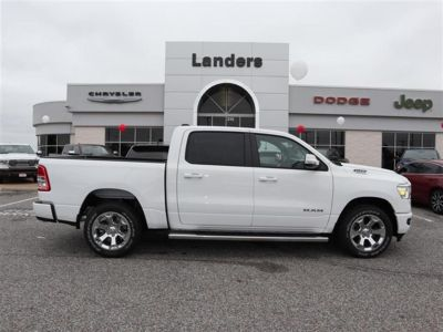 2019 RAM 1500 Big Horn/Lone Star 4x2 Crew Ca (White)