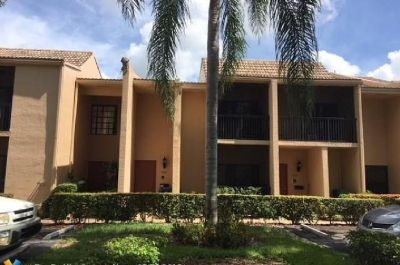 BEAUTIFUL TWO STORY 3 BEDROOM 2.5 BATH LAKEFRONT TOWN HOME