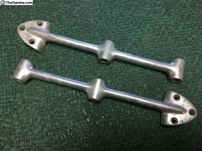 Deluxe Bus middle bracket for lugagge bars