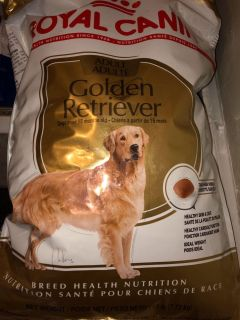 ROYAL CANIN - ADULT, Golden Retriever & Suitable for ALL SIMILAR SIZED BREEDS. Chicken./ 17 lbs.Reg $63.