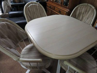 KITCHEN TABLE with 6 Chairs PRICED TO SELL!!