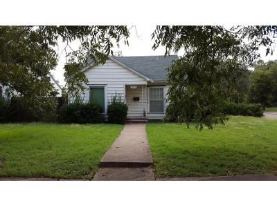 1 Bath Preforeclosure Property in Abilene, TX 79602 - Chestnut St