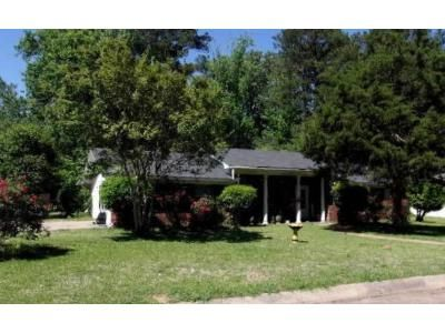 3 Bed 2 Bath Foreclosure Property in Jackson, MS 39204 - Wood Glen Dr