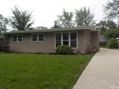 3 Bed 2 Bath Foreclosure Property in Rolling Meadows, IL 60008 - Grouse Ln