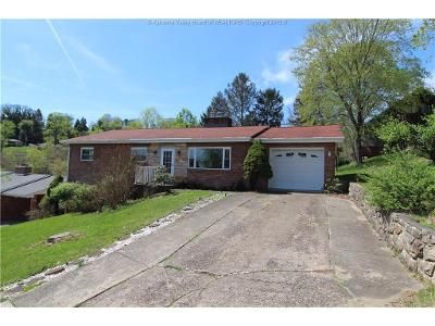 3 Bed 2 Bath Foreclosure Property in Charleston, WV 25302 - Larwood Dr