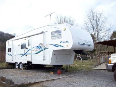 5th wheel Series M-281 with 16K hitch