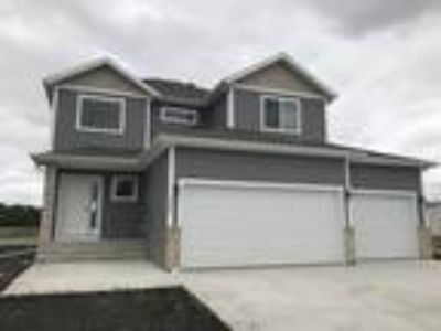 Goldenwood - 2 Story #8-3 Bd/Three BA-Fnshd Basement-3 stall