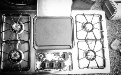 G.E. stainless steel gas countertop stove w/ griddle
