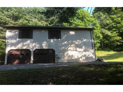 3 Bed 2 Bath Preforeclosure Property in Troy, NY 12182 - Hurley Rd