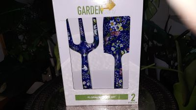 Beautiful Gardening space and fork set