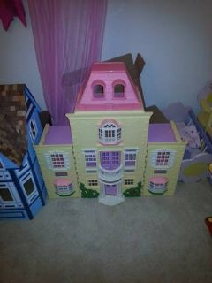 doll house with 7 rooms of furniture