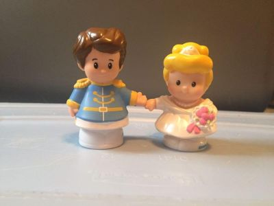 Fisher Price Little People Wedding Cinderella and Prince Charming set