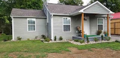 2902 Julian Dr CLEVELAND Three BR, Desirable location is ONLY the