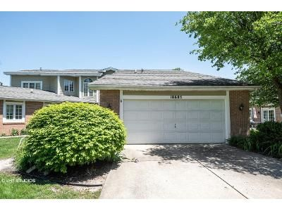 2 Bed 2.5 Bath Foreclosure Property in South Bend, IN 46637 - Beach Way