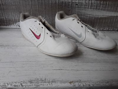 Nike cheer shoes Size 3Y