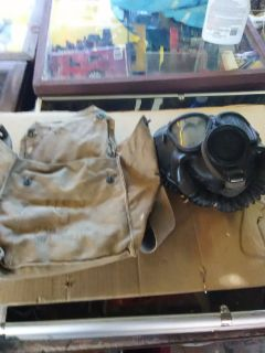 WW2 US NAVY GAS MASK