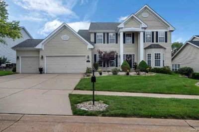 667 Grand View Ridge Court EUREKA Four BR, Welcome to this 1.5