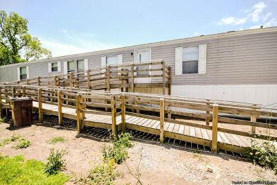 3 Beds/2 Baths, 16X76 (1216 Living Area) Single Wide Mobile Home For Rent