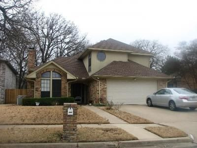 3 Bed 3 Bath Preforeclosure Property in Irving, TX 75061 - High Crest Ct