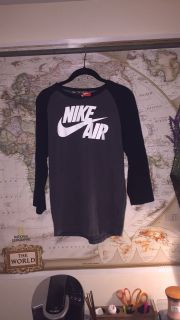 Nike Air 3/4 sleeve top
