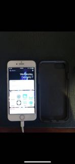 iPhone 7 256gb silver with case pre-owned EUC