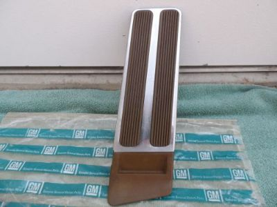 Find 1963-1964-65 BUICK RIVIERA & GRAN SPORT GAS PEDAL BROWN NICE ORIGINAL GM motorcycle in Oak Hills, California, United States, for US $117.00