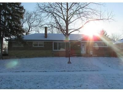 1.5 Bath Preforeclosure Property in Warren, MI 48093 - Sylvan Ave