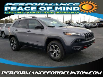 2018 Jeep Cherokee Trailhawk (Billet Silver Metallic Clearcoat)