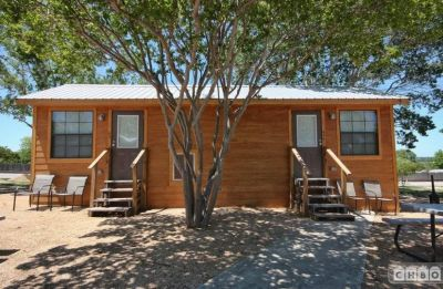 $1049 studio in Hill Country