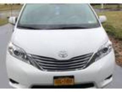 2013 Toyota Sienna Minivan in Fayetteville, NY