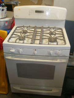 Dual gas/electric oven